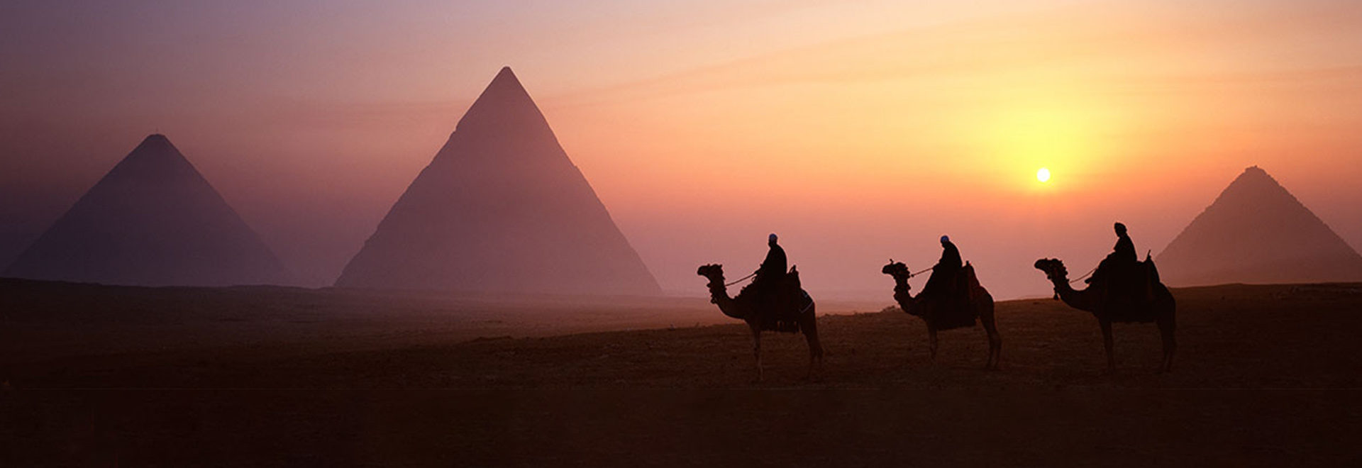 Middle-East-Egypt-Nile-Pyraminds-MH